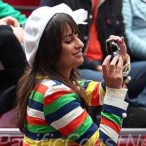 File:Glee 300 new york lea michele.jpg