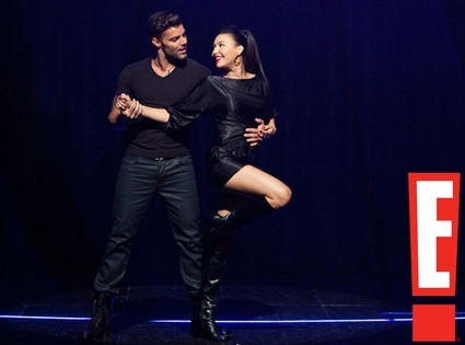 File:The Spanish Teacher Ep Naya Rivera & Ricky Martin looking as hot as ever during their performance of Madonnas La Isla Bonita..jpg