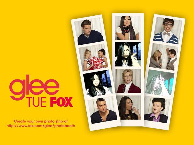 File:Glee 1600x1200.jpg