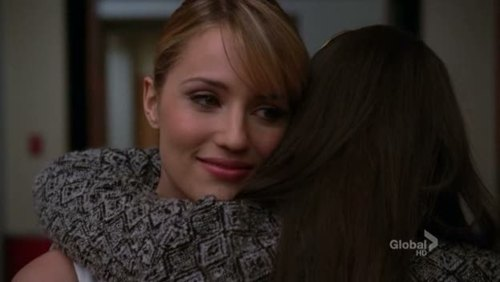 File:S3E14 Faberry Hug.jpg