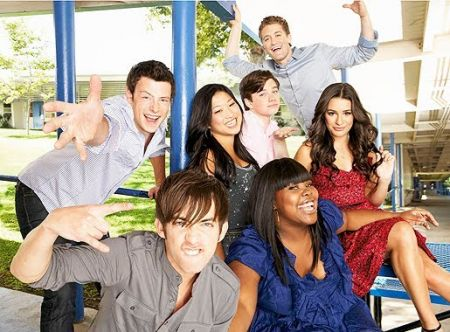File:Glee Cast .jpg