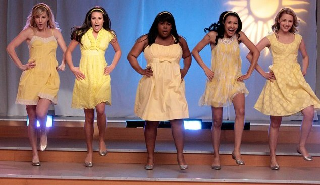 File:Glee girls yellow.jpg