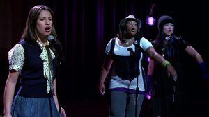 Glee Cast-Take A Bow-720p-x264-2010-GLEEKS screenshot 1