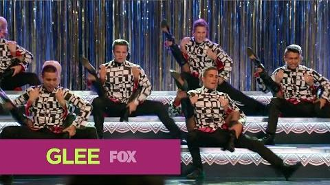 "GLEE Full Performance of ""Rock Lobster"" from ""The Hurt Locker, Part 1"""