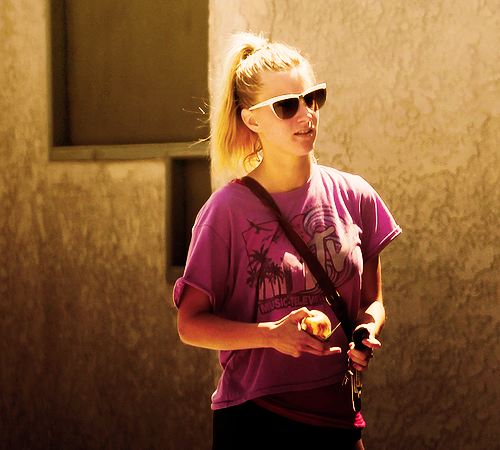 File:Heather-Morris-heather-morris-22732754-500-450.png