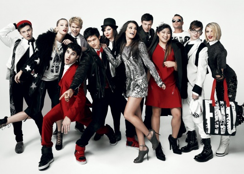 File:Glee Cast Vogue.jpg