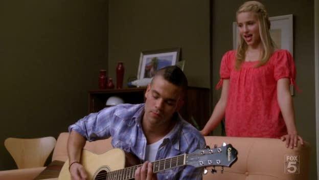 File:Glee-papa-dont-preach.jpg
