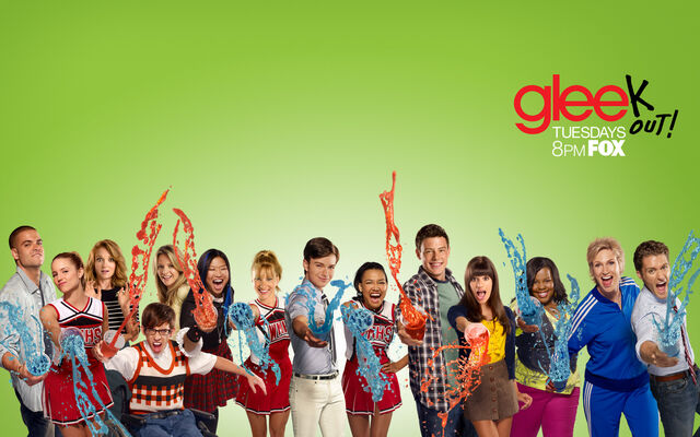 File:Glee Cast Wallpaper.jpg