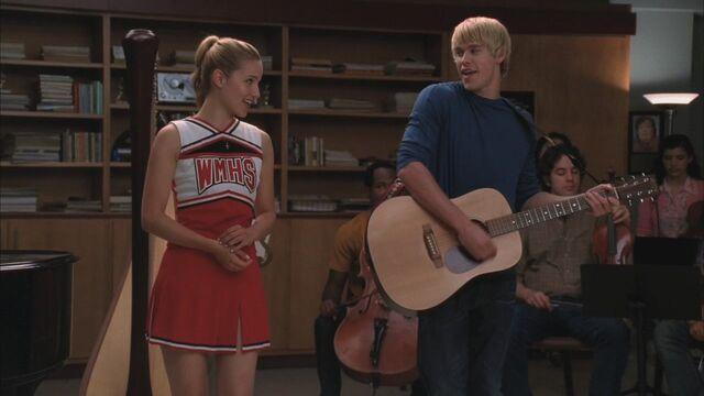 File:Glee204-01001.jpg