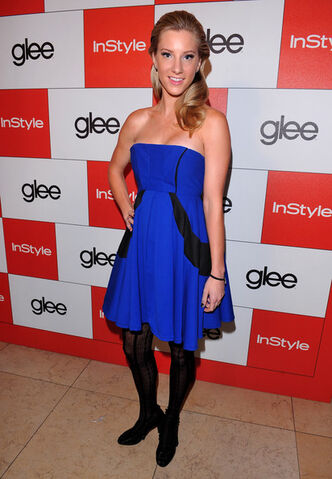File:InStyle 20th Century Fox Celebrate Glee Golden fM EQWqvvSXl.jpg