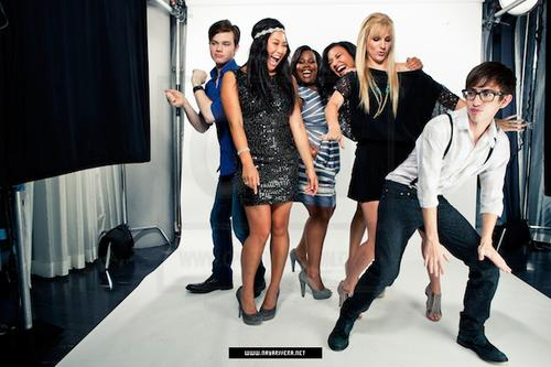 File:Glee+Cast+04.jpg