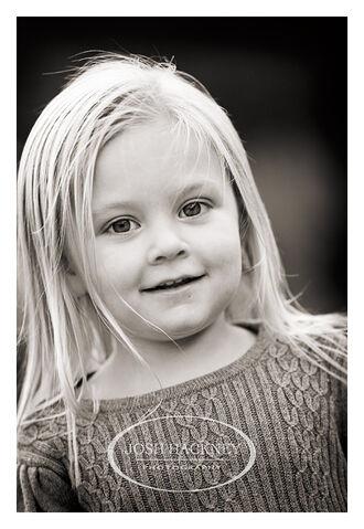 File:Little-blonde-girl-1-.jpg