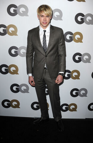 File:Chord+Overstreet+GQ+2010+Men+Year+Party+Arrivals+B9vC7Yo5wdYl.jpg