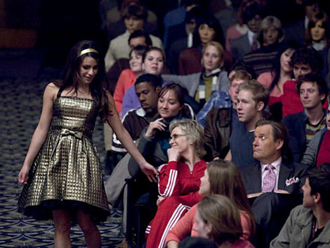 File:100617 thur women make the journey to regionals with the betsey johnson goldie dress from glee 002.jpg