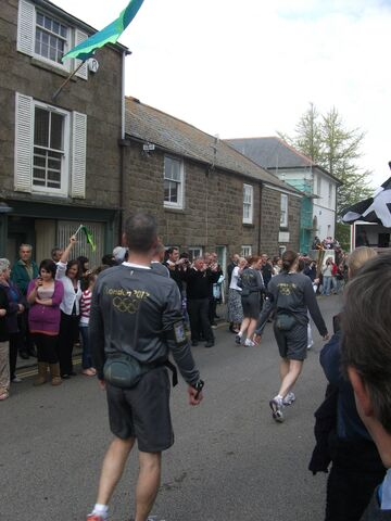 File:Olympic torch in Penzance!!! 022.jpg