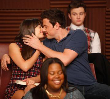 File:Finn-and-Rachel-3-finn-and-rachel-25484410-358-323.jpg