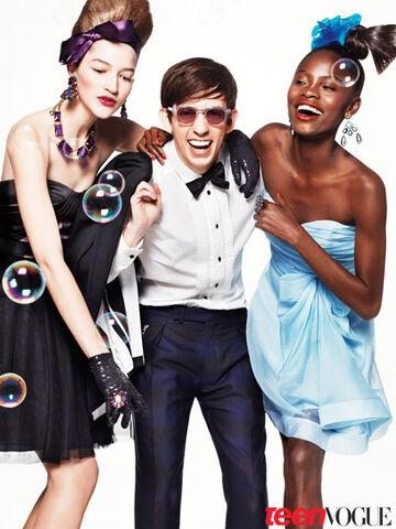 File:Glee-prom-09 large.jpg