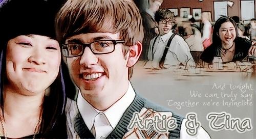 File:Artie-Tina-glee-9560407-500-273.jpg