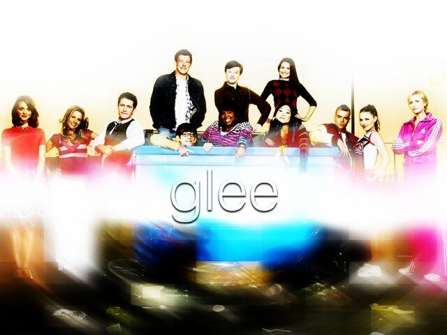 File:Glee-Cast-Wallpaper-glee-11320355-1024-768.jpg
