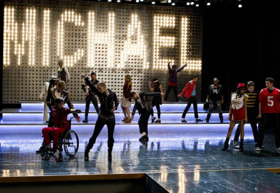 File:Glee-michael-jackson-12.jpg