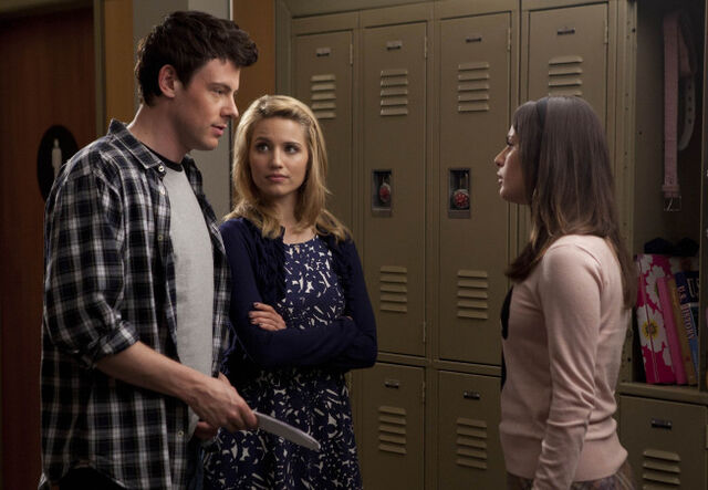 File:Glee rachel vs quinn.jpg