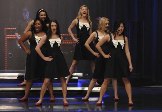 File:Glee-Hello-5-550x380.jpg