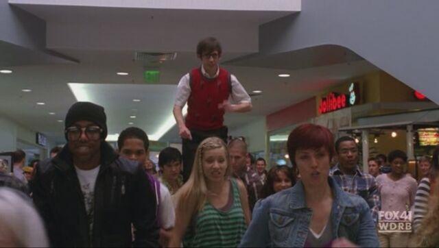 File:Glee-jollibee.jpg