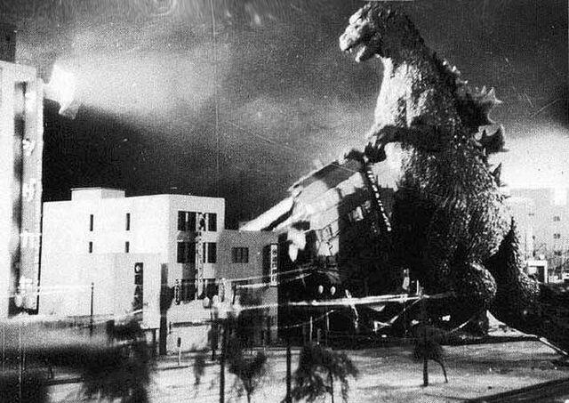 File:Gojira - Godzilla Destroys a Building.jpg