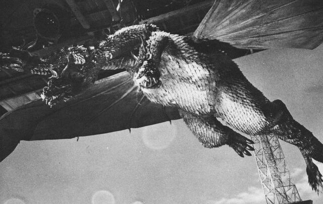 File:GT3HM - King Ghidorah On Set.jpg