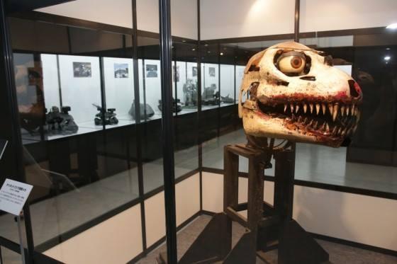 File:Great Godzilla 60 Years Special Effects Exhibition - Meltdown Godzilla head.jpg