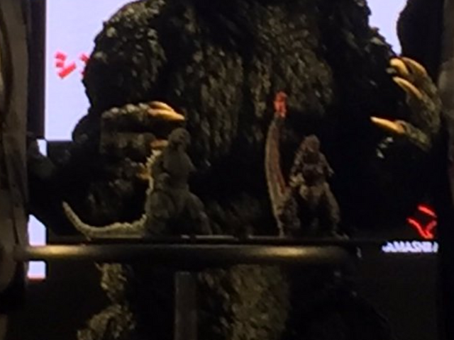 File:Godzilla with shodai and Shingoji figures.png