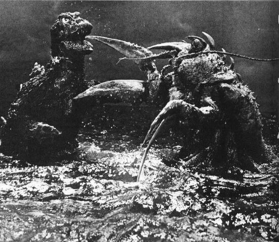 File:EHOTD - Godzilla and Ebirah Scuffle.jpg