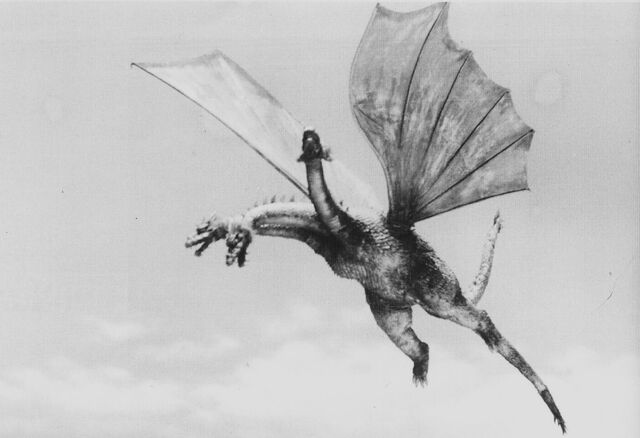 File:GT3HM - King Ghidorah in the Air.jpg