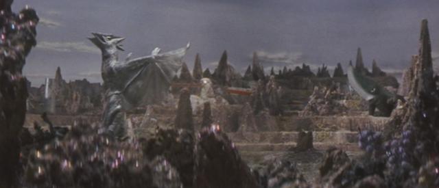 File:Gamera - 5 - vs Guiron - 9 - Guiron vs Space Gyaos.png
