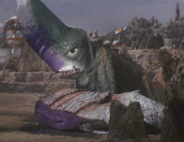 File:Gamera - 5 - vs Guiron - 19 - Guiron Murders Space Gyaos In Cold Blood.png