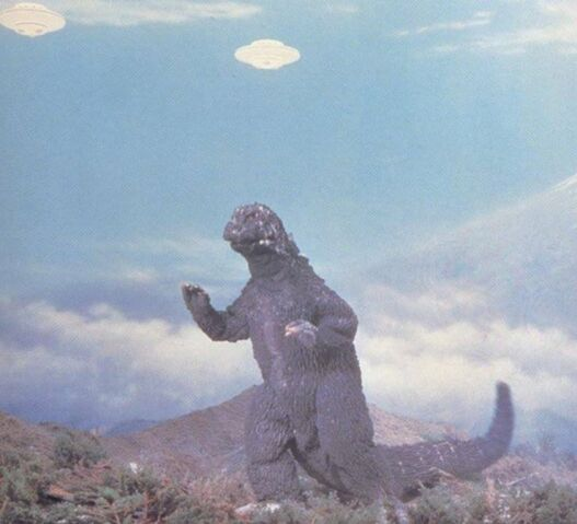 File:IoAM - DaisensoGodzilla and UFOs.jpg