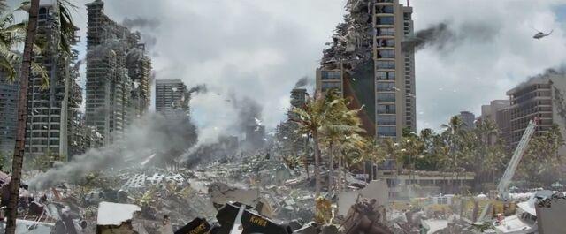 File:Honolulu Godzilla 2014.jpg