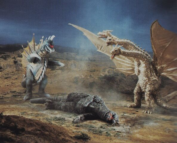 File:GVG - Godzilla is Down Before Gigan and King Ghidorah.jpg