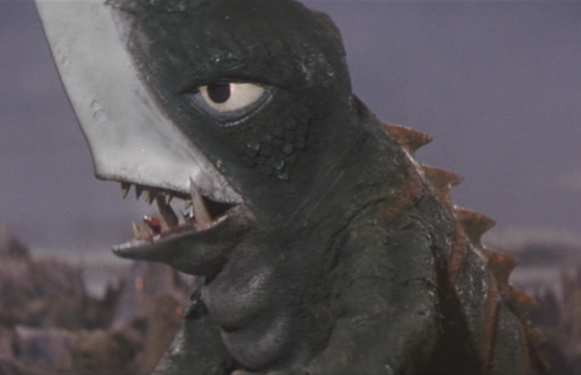 File:Gamera - 5 - vs Guiron - 8 - Guiron.png