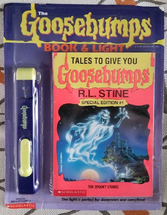Talestogiveyougoosebumps-booklight