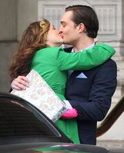 Chuck-and-blair-kiss 521x644