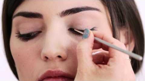 How To-Video tutorial (featuring Amanda Setton, aka Penelope) on Blair's wedding makeup.