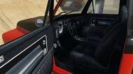 Slamvan-GTAV-Inside