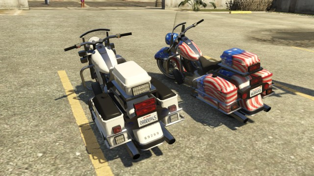File:Soverign Police Bike GTAV Rear Comparison.jpg
