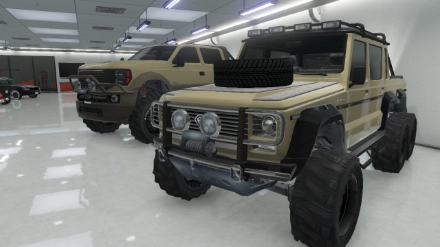 File:Dubsta 6x6 and Sandking XL S.jpg