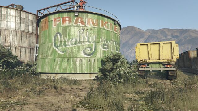File:Frankie's Service Center GTAV Oil.jpg