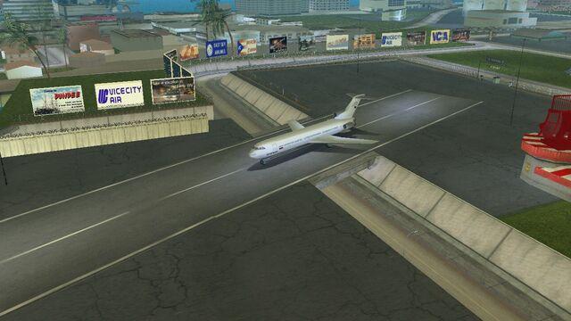 File:Plane (1366 x 768).jpg