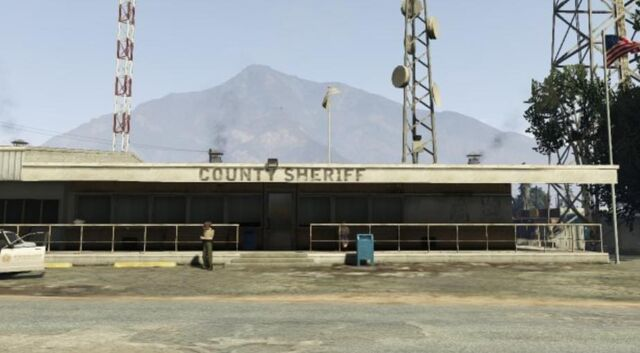 File:CountySheriffstation-GTAV-SandyShores-exterior.jpg