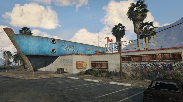 File:The Boat House GTAV Front.jpg