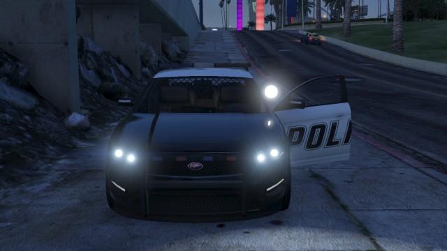 File:PoliceInterceptor-GTAV-Spotlight.jpg